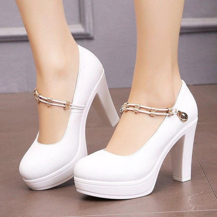 日和生活館 白色模特旗袍t臺走秀鞋防水臺超高跟單鞋粗跟圓頭一字扣女鞋 590S88