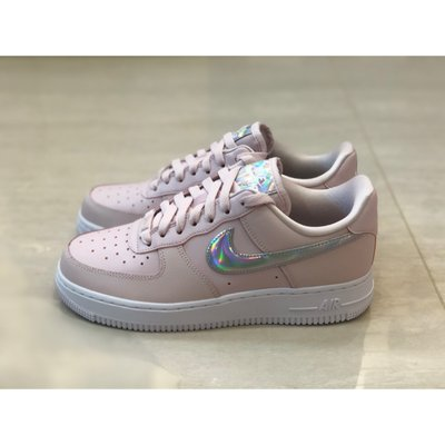 【Fashion SPLY】Nike Air Force 1 Barely Rose 白粉 雷射 CJ1646-600