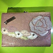 Anna Sui全新正品真皮粉膚色蝴蝶玫瑰附珠釦零錢袋三折皮夾