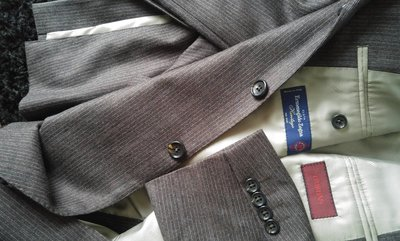 【D'URBAN】使用Ermenegildo Zegna羊毛鐵灰色細條紋單排釦西裝上衣(原價56980)