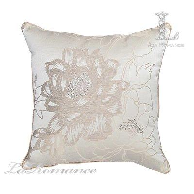 【芮洛蔓 La Romance】古典風情系列米色牡丹燙鑽立體緹花抱枕 / 靠枕 / 靠墊 / 方枕