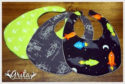 ♥grita's handmade♥純棉手作嬰幼兒圍兜兜/領巾/口水巾/三角巾/彌月禮—太空船