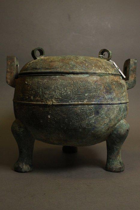 悅年堂 --- 戰國時期 青銅蟠虺紋三足鼎
