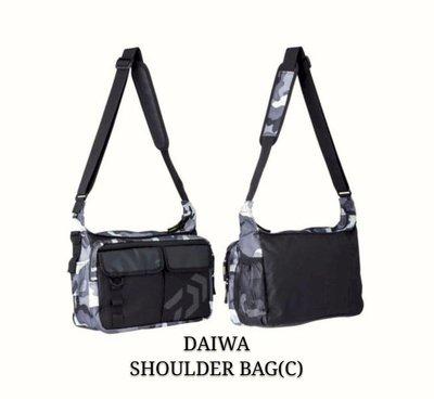 (桃園建利釣具)DAIWA SHOULDER BAG(C)  (肩背袋) 路亞包 肩背包 側背包  灰迷彩色