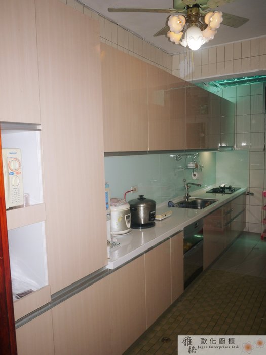 【雅格廚櫃】工廠直營~一字型廚櫃、流理台、廚具、水晶門板、臭氧殺菌落地型烘碗機