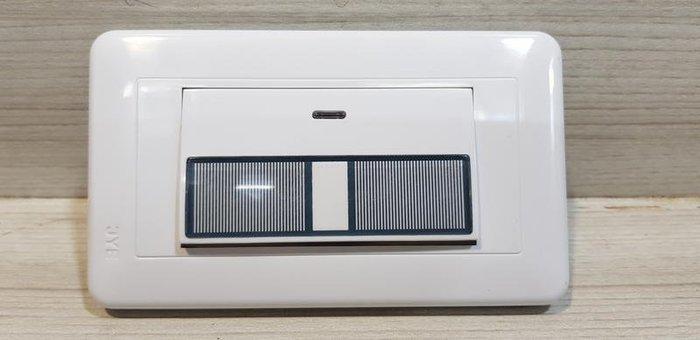 DIY水電材料 JY-5155中一牌WIDE系列大切面 /開關 /插座/1開關附蓋板/條紋電燈開關