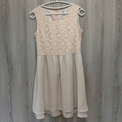 百貨專櫃品牌 clear impression裸色蕾絲雕花洋裝