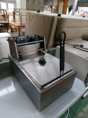 大台南冠均二手貨--8L 營業用 桌上型油炸機 油炸爐 油炸鍋 油炸台 110V *餐飲設備/營業冰箱/水槽/生財器具