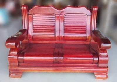 樂居二手家具(北) 便宜2手傢俱拍賣A110703*紅木色實木2人沙發* 二手客廳家具買賣推薦 茶几 客廳桌椅 皮沙發
