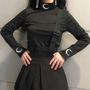【黑店】原創設計工裝風織帶裝飾月亮刺繡上衣 月亮刺繡高領合身上衣 暗黑系基本款工裝風織帶上衣MB168