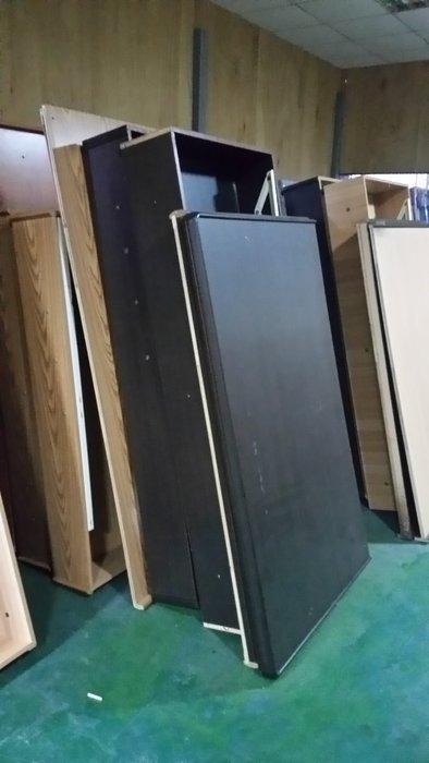 桃園國際二手貨中心-----房東的最愛 5尺*6尺 6分板 上掀床 側掀雙人床 (絕對我最便宜)