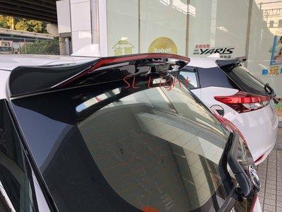 SL光電精品~豐田 2018 Yaris S版樣式尾翼 黑色尾翼 紅色線條
