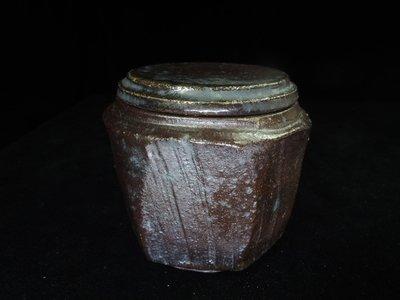 【古物玩家】張家誌老師 [柴燒黑陶茶倉]茶壺茶海 鐵壺 花器 陶器 藝術品 編號E226_