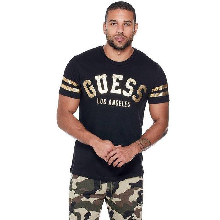【GUESS】GUESS男款短袖T恤印金GUESS臂雙槓黑 F03190601-13