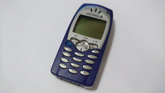 ☆手機寶藏點☆ Sony Ericsson T65 直立式手機 《附原廠電池+旅充或萬用充》 超商 貨到付款 讀A 61