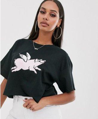 英國流行時尚品牌 黑色FLYING PIG可愛飛豬圖案純棉寬鬆短版圓領T恤 透氣舒適 Relaxed and roomy