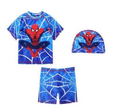 •*~ 辣媽咪衣飾小舖 ~*•❤泳裝系列 📣C560807韓版卡通蜘蛛人圖案分體防曬溫泉泳裝 (附泳帽)
