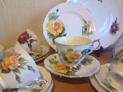 【達那莊園】英國製骨瓷器 Royal Standard皇家標準 Harry Wheatcroft世界著名玫瑰3 茶杯盤組