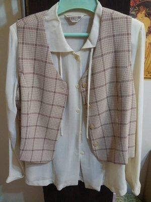 鄉村小集 粉色格紋長袖西裝短外套 + 粉色格紋背心 + 粉色格紋長裙 + 白色雪紡長袖襯衫