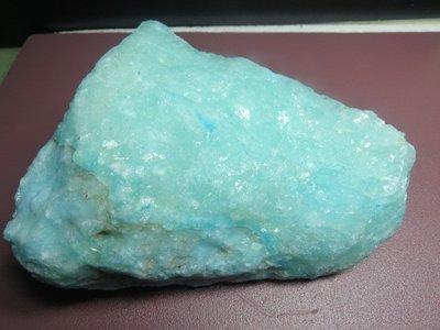【競標網】天然罕見漂亮非洲矽藍寶石原礦2300公克(K3)(網路特價品、原價2500元)限量一件