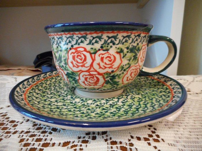 ~~凡爾賽生活精品~~全新波蘭進口彩繪綠底紅色玫瑰花造型花茶杯.咖啡杯