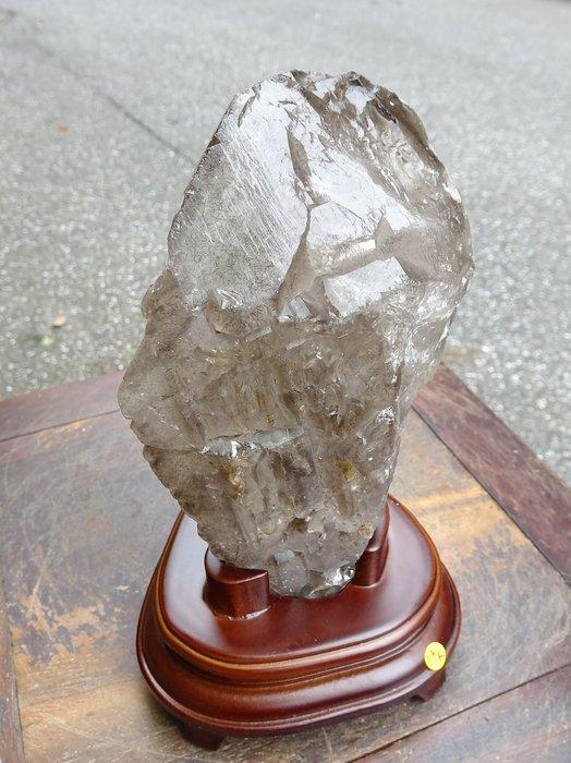~shalin-crystal~巴西三輪骨幹水晶~1.3公斤~髮絲充滿~開智慧~能量超強!低價起標!