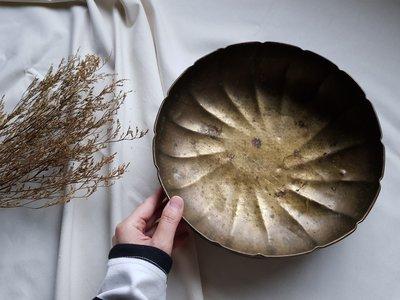 【 已售出 】60年代 Battuto A Mano 古董早期銅製圓盤 手工錘目紋飾 銅器 銅製盆器 老歐洲銅器皿