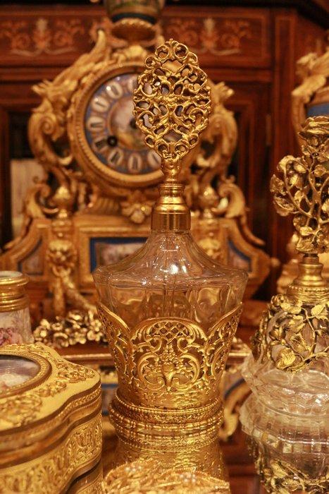 【家與收藏】特價稀有珍藏歐洲古典法國古典華麗精緻手工銅金浮雕香水瓶 16