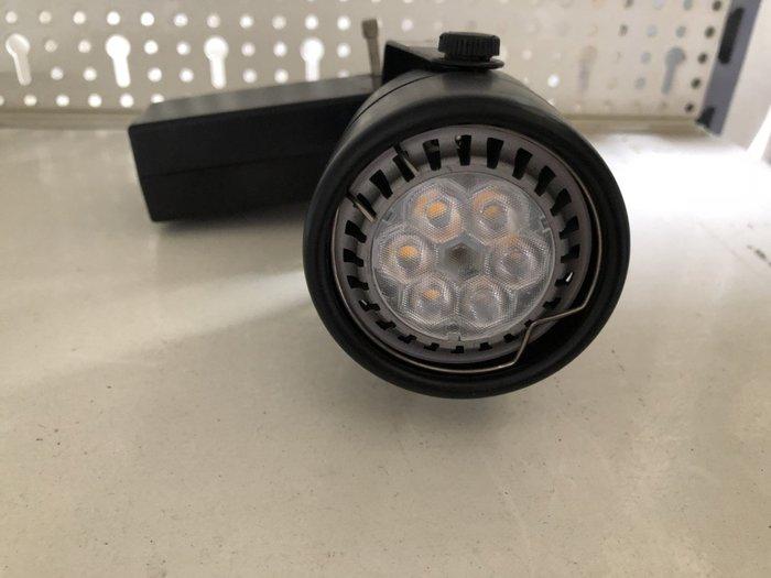 大高雄冠均二手貨家具(全省收購)---軌道燈    投射燈    LED燈    量多    別錯過