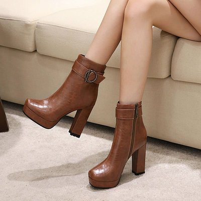 iFashion女鞋棕色短靴女10cm高跟鞋女2021秋冬時尚粗跟方頭女靴防水臺單靴大碼