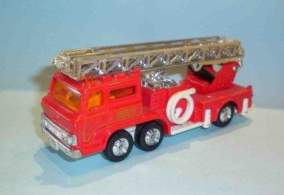 Tomica dandy AERIAL LADDER FIRE TRUCK 1/82 消防車 絕版 日本製
