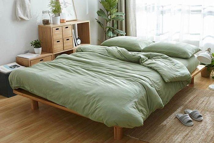 純棉親膚裸睡專用床包組(草原綠) 床包 床單 枕頭套 枕頭 床 棉被 被套 寢具 裸睡 純棉 床包組 拖鞋 室內拖鞋