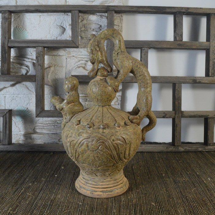 百寶軒 仿古瓷器復古做舊西晉越窯風格青釉龍柄人物倒裝壺古董古玩 ZK1219