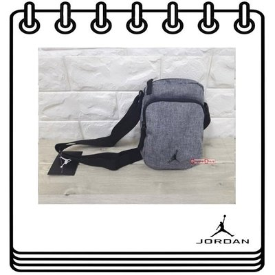 【Drawer】JORDAN FESTIVAL CROSSBODY BAG 灰 側背包 腰包 包包 9A0070-GEH