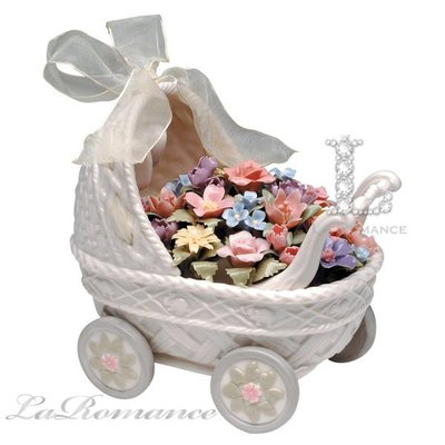 【芮洛蔓 La Romance】Cosmos Gifts 蝴蝶結嬰兒花車音樂鈴 / 擺飾 / 送禮  / 生子、生女賀禮