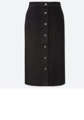 uniqlo黑色排扣牛仔裙