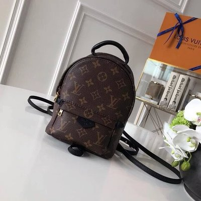 ✤寵愛Pamper for you✤LOUIS VUITTON  LV PALM SPRINGS 迷你背包