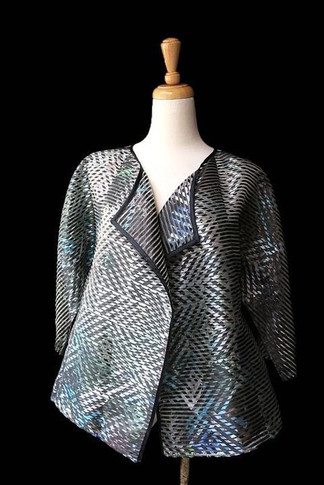 *Beauty*ARMANI線條圖案絲質罩衫外套 WE16 原價4萬多元