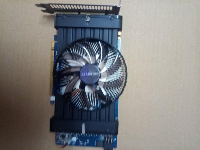 售 技嘉 GV-N450D3-1GI @1GB/128BIT GTS450晶片@ DDR3