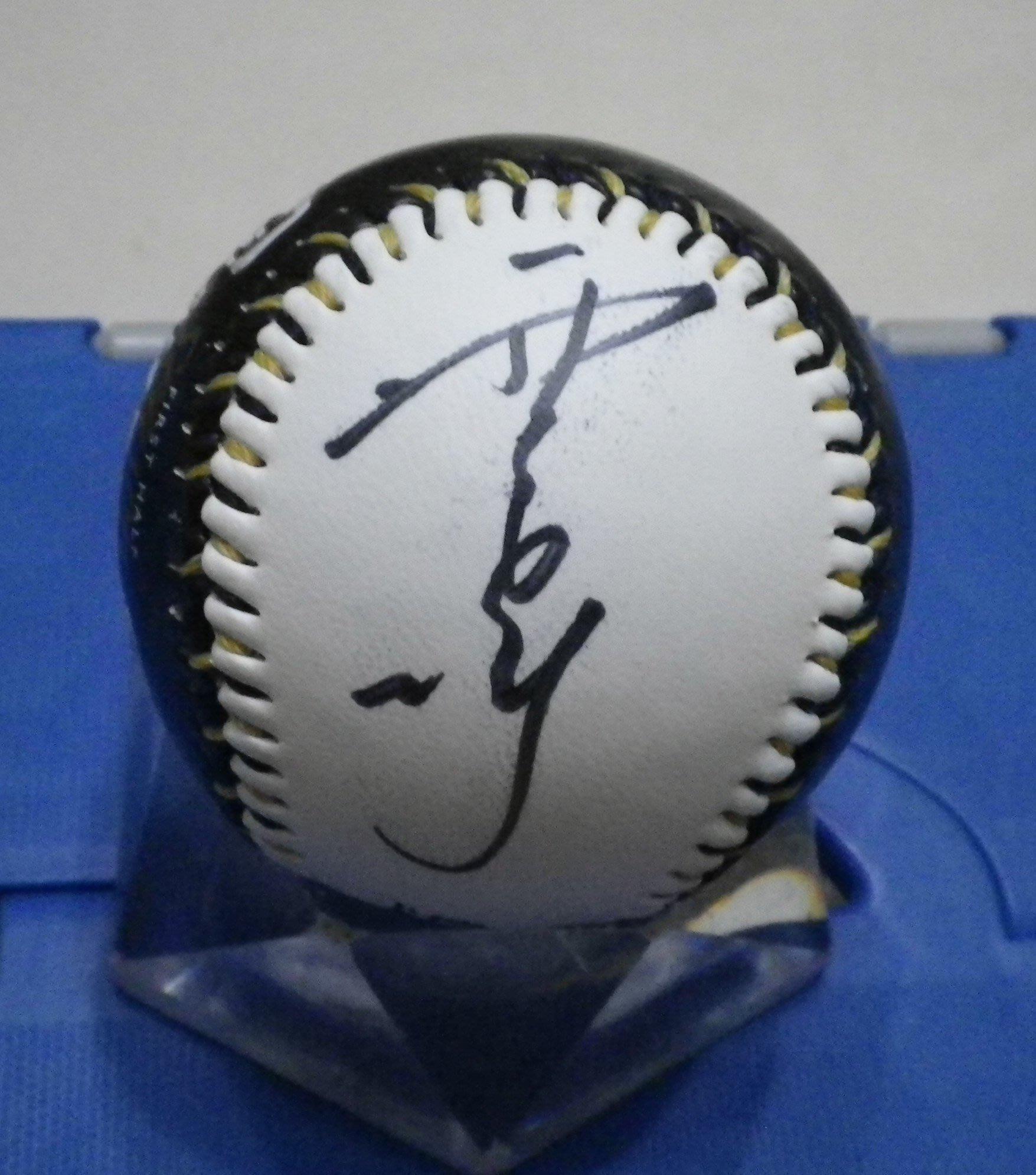 棒球天地----中信兄弟 張正偉 簽名2016上半季冠軍限量紀念球.字跡漂亮