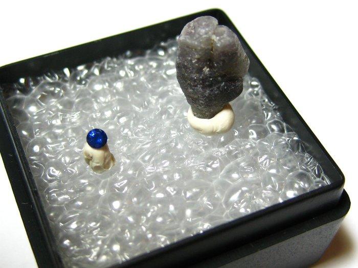 【Texture & Nobleness 低調與奢華】寶石教學標本&原礦 藍寶石 S-01