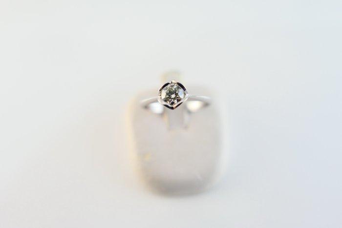 [吉宏精品交流中心]SOPHIA 蘇菲亞 30分 天然鑽石 白K金 八心八箭 戒指(附證書)