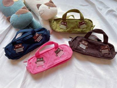 日本卡拉貓~繡線條紋俏皮黑喵手提筆袋 收納包