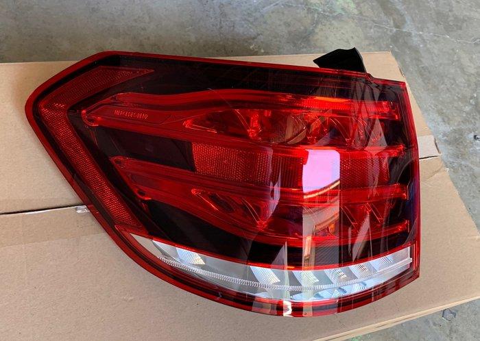 W212 E200T Estate 5門、E250T、E220T、E300、E63、E350,S212 原廠 LED後燈