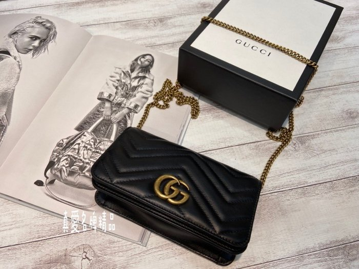 《真愛名牌精品》GUCCI 488426 黑色山形紋 金GG WOC 鍊包 可當腰包 *全新特價品*