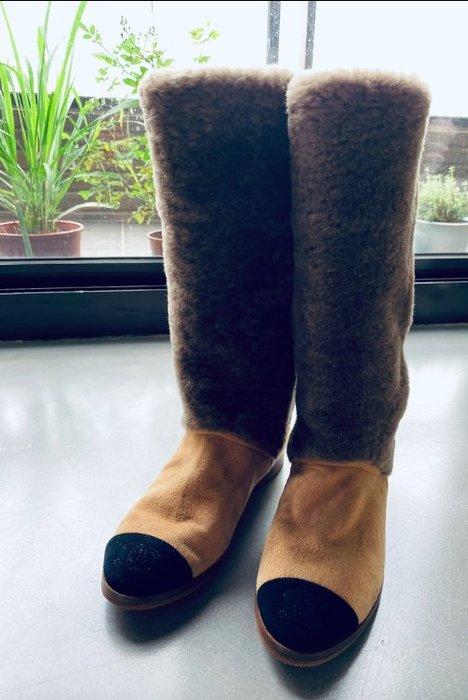 【R】Chanel |香奈兒twotone毛草平底長靴