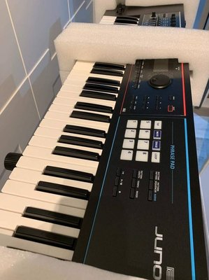 Roland Piano Keyboard Synthesizer - $4200 (Tseung Kwan O)