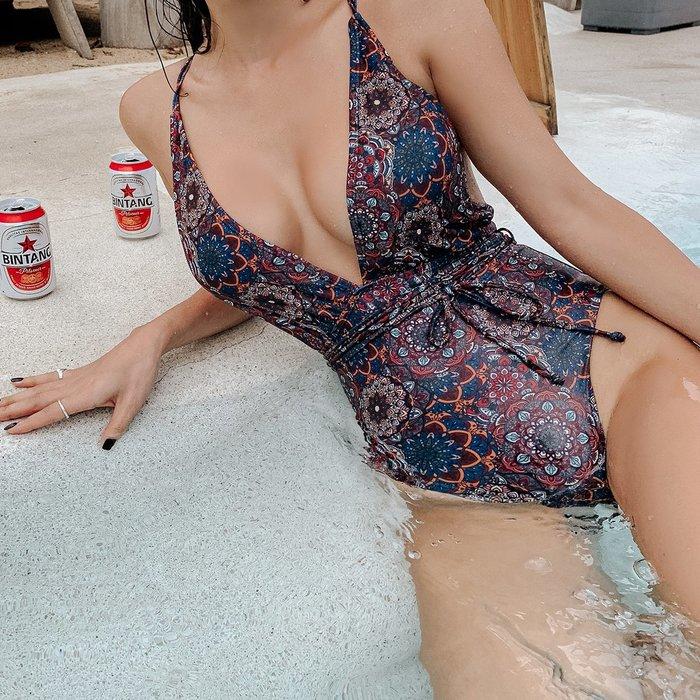 Qmi 韓國復古深V性感高叉三角連體泳衣