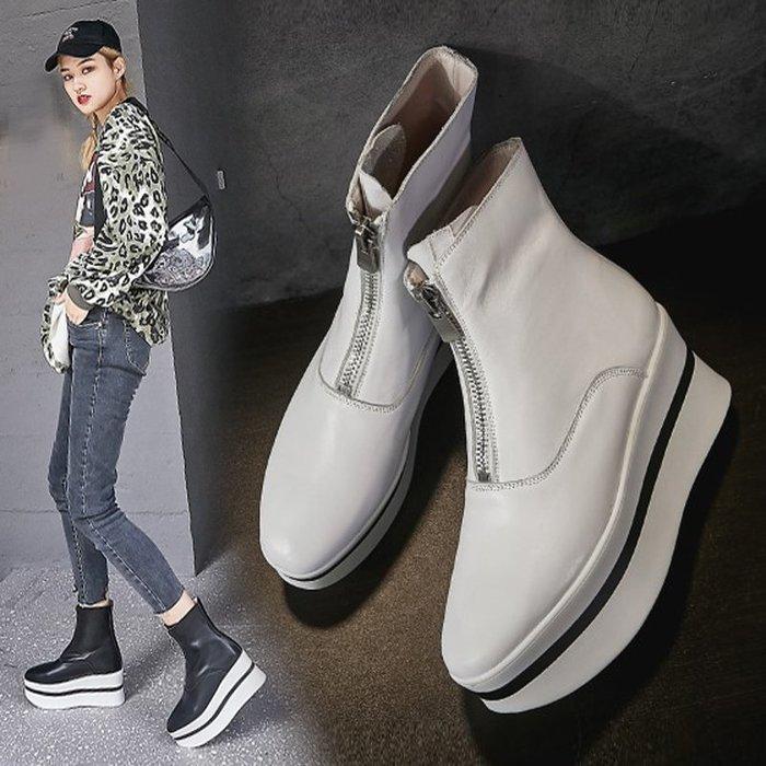 【美達】厚底馬丁靴女秋冬季2019新款真皮坡跟短靴高跟白色前拉鏈guidi靴