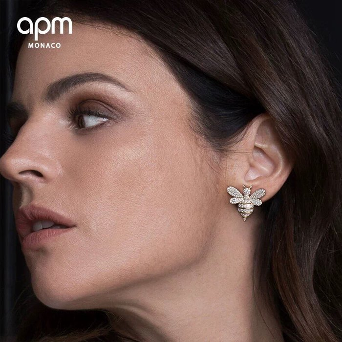 Melia 米莉亞代購 商城特價 數量有限 每日更新 APM MONACO 飾品 耳環 不對稱 金黃色銀鑲晶鑽蜜蜂組合